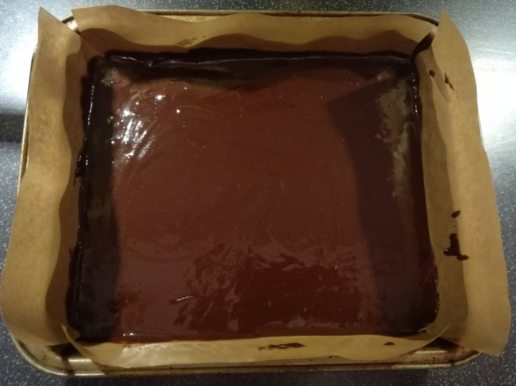 Half Filled Brownie Tray